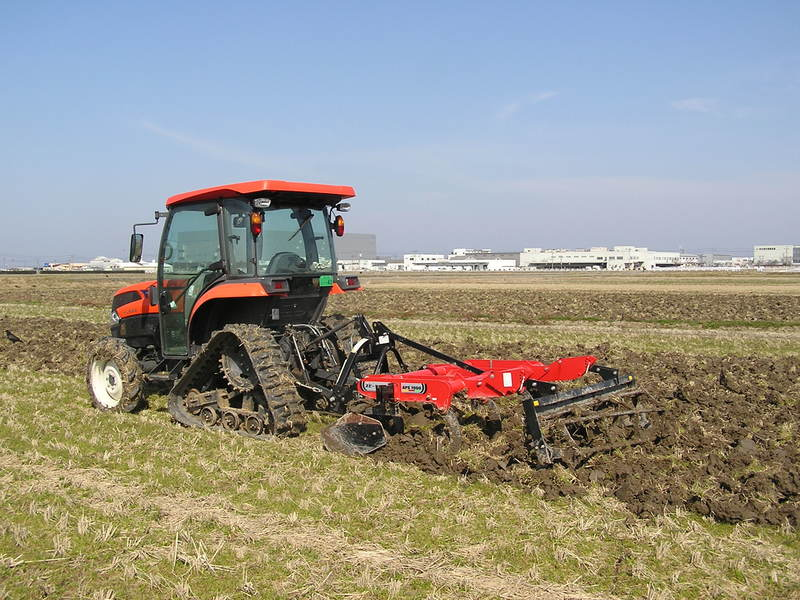 自然栽培米こしひかりの圃場も作業開始